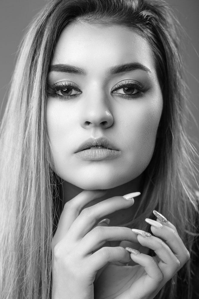 Modelka: Zosia Zarzeczny<br>MUA: Aleksandra Aszyk